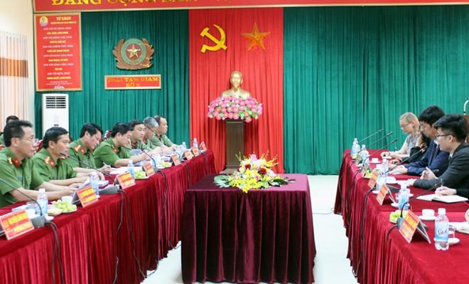 Buổi làm việc giữa Đoàn đối thoại nhân quyền Việt Nam - Australia với CATP Hà Nội