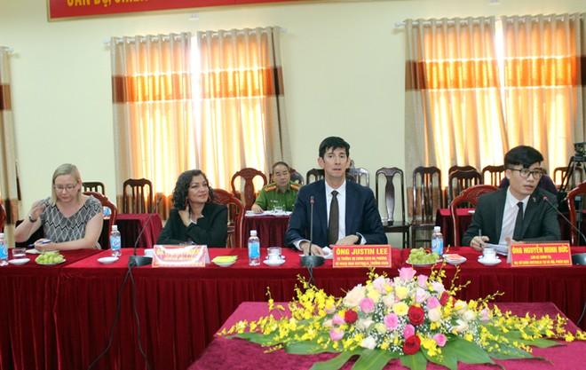 Ngài Justin Lee đánh giá cao việc thực hiện Công ước chống tra tấn tại Trại tạm giam CATP Hà Nội