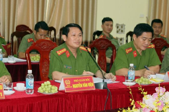 Đại tá Nguyễn Văn Viện, Phó Giám đốc CATP cùng đại diện Bộ Công an và phòng nghiệp vụ CATP tiếp đoàn