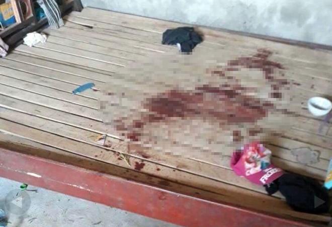 Lực lượng chức năng phát hiện giường cháu N nằm có nhiều vết máu