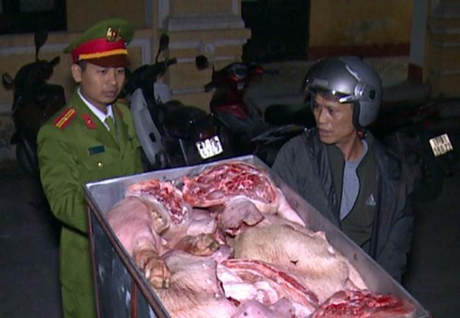 Lực lượng chức năng kịp thời phát hiện, thu giữ hàng tạ thịt lợn không rõ nguồn gốc đang trong quá trình phân hủy