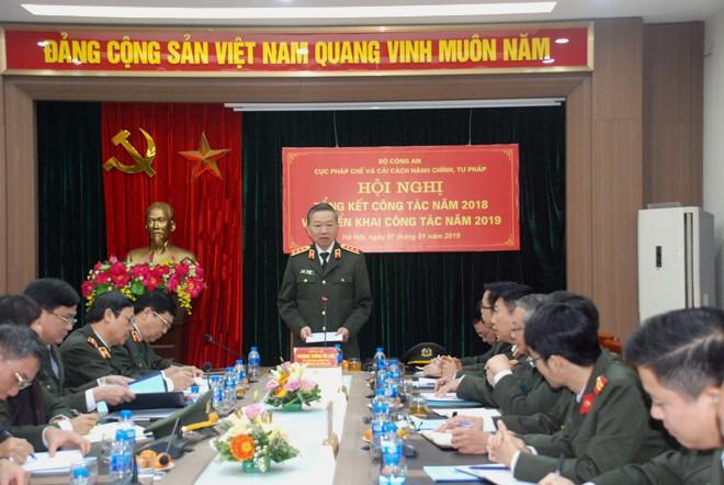 Thượng tướng, GS.TS Tô Lâm, Ủy viên Bộ Chính trị, Bí thư Đảng ủy Công an Trung ương, Bộ trưởng Bộ Công an phát biểu chỉ đạo hội nghị