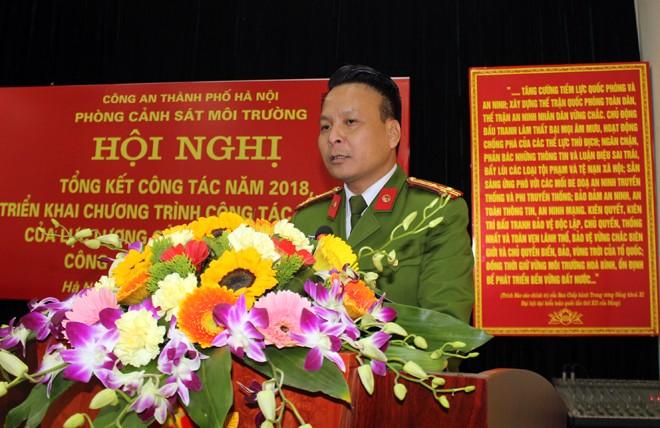 Thượng tá Trần Anh Tuấn tiếp thu ý kiến chỉ đạo của đồng chí Phó giám đốc CATP và quán triệt đến toàn thể CBCS của đơn vị nhiệm vụ công tác năm 2019