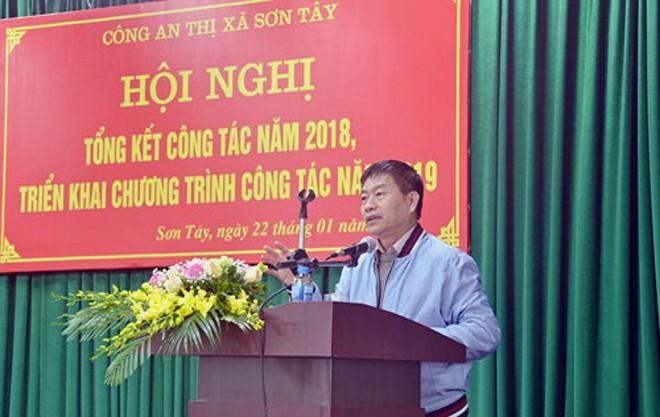 Đồng chí Đặng Vũ Nhật Thăng, Phó Bí thư, Chủ tịch UBND thị xã Sơn Tây phát biểu chỉ đạo hội nghị