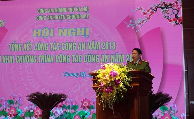Đại tá Nguyễn Văn Viện - Phó giám đốc CATP phát biểu tại hội nghị