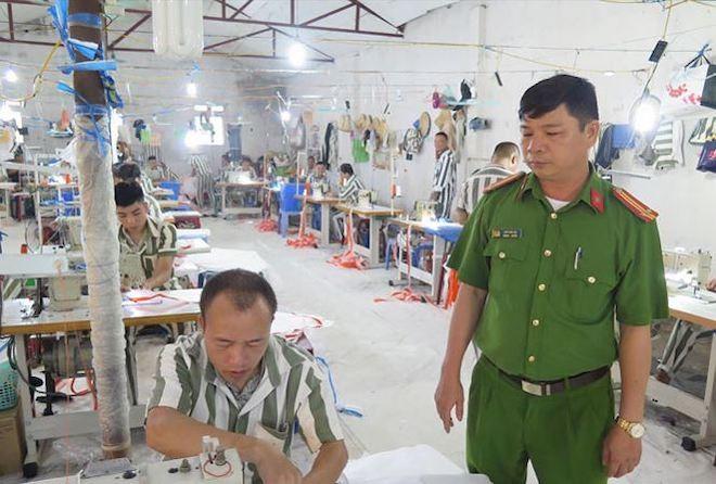 Việc tổ chức cho phạm nhân lao động, học nghề sẽ giúp họ thêm nhiều cơ hội trở thành người có ích