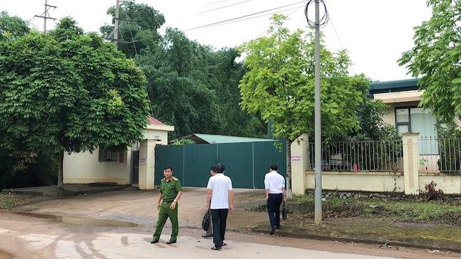 Phía bên ngoài Cty Khánh Linh