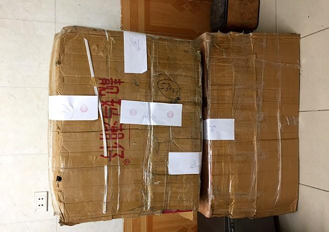 Hàng trăm đôi giày, dép nhập lậu được CAP Ngọc Khánh kiểm tra phát hiện trong ngày đầu ra quân triển khai kế hoạch
