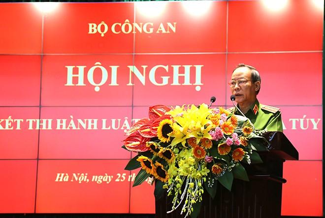 Thượng tướng Lê Quý Vương, Ủy viên Trung ương Đảng, Thứ trưởng Bộ Công an phát biểu tại hội nghị