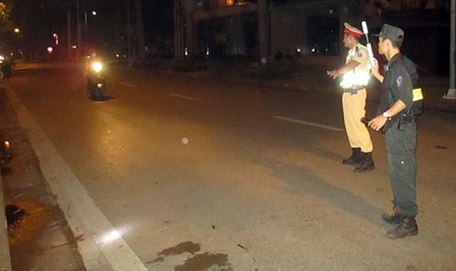 Tổ công tác 141 CATP Hà Nội xử lý các trường hợp vi phạm vào ban đêm