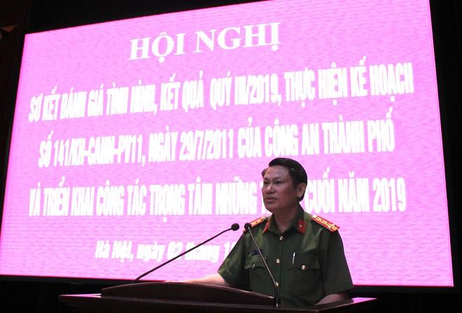 Đại tá Nguyễn Văn Viện phát biểu chỉ đạo hội nghị
