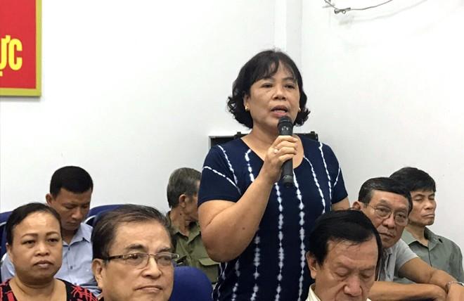 Bà Trần Thị Dung đại diện cho người dân ở tổ dân phố của mình chia sẻ những tâm tư, tình cảm với CBCS - CAP Nguyễn Trung Trực