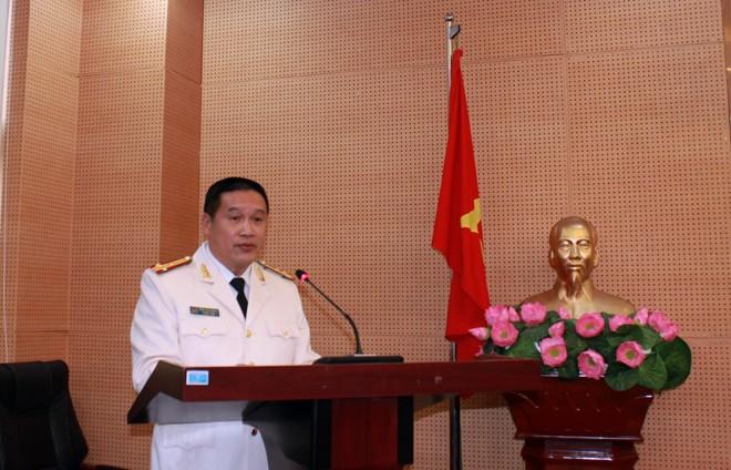 Thượng tá Đàm Văn Khanh tiếp thu ý kiến chỉ đạo của Thiếu tướng Nguyễn Anh Tuấn, Phó Giám đốc - Thủ trưởng Cơ quan An ninh điều tra CATP Hà Nội