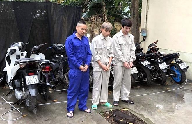Hải Dương: Bắt giữ nhóm đối tượng gây ra gần chục vụ trộm cắp xe máy ảnh 1
