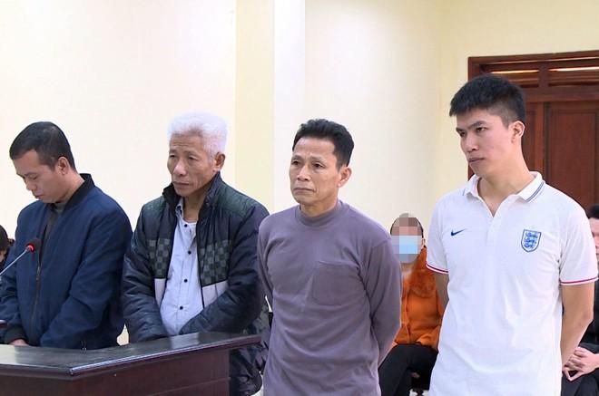 Các bị cáo tại phiên tòa ngày 18-2