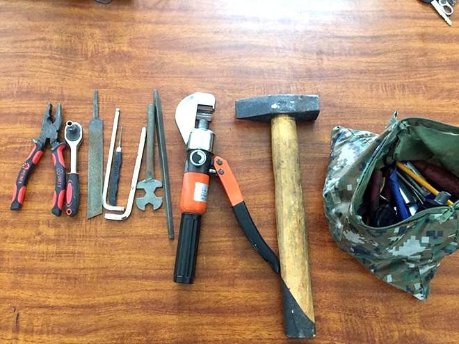Dụng cụ các đối tượng sử dụng hành nghề trộm cắp