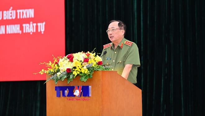 Thượng tướng Nguyễn Văn Thành - Uỷ viên Trung ương Đảng, Thứ trưởng Bộ Công an phát biểu tại hội nghị