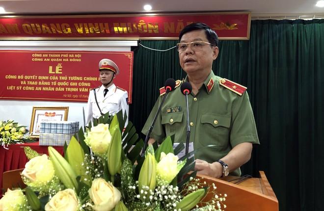 Thiếu tướng Đào Thanh Hải – Phó Giám đốc CATP Hà Nội phát biểu tại buổi lễ