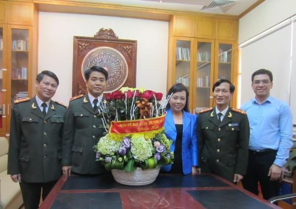 Đồng chí Bộ trưởng Bộ Y tế cảm ơn và đánh giá cao những đóng góp của Công an Hà Nội