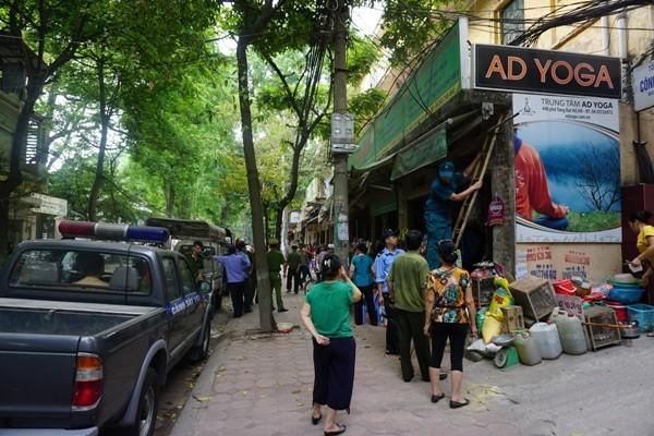"""""""Làm sạch"""" 3 tuyến phố trên địa bàn phường Phạm Đình Hổ ảnh 3"""