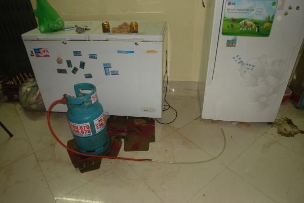 Chiếc bình gas đã được xì hết khí