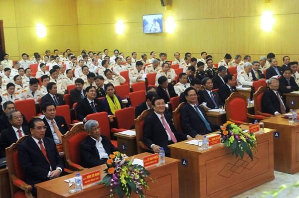 Đại hội vinh dự đón các đồng chí lãnh đạo Đảng, Nhà nước đến dự và phát biểu chỉ đạo