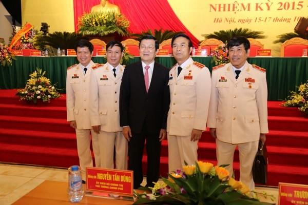 Chủ tịch nước Trương Tấn Sang cùng các đồng chí tướng lĩnh CAND tại Đại hội