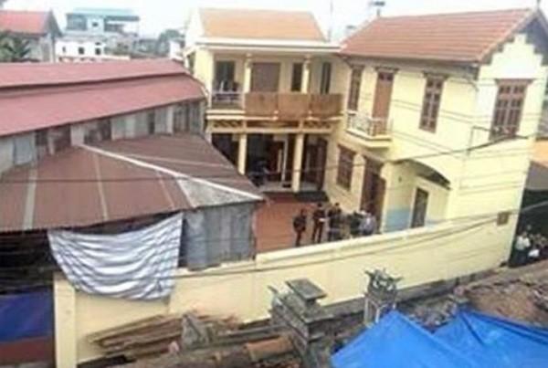 Ngôi nhà sơn màu vàng xảy ra vụ án mạng