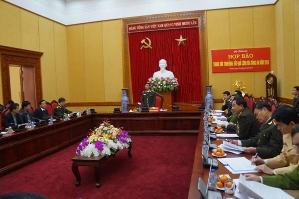 Thượng tướng Đặng Văn Hiếu chủ trì buổi họp báo