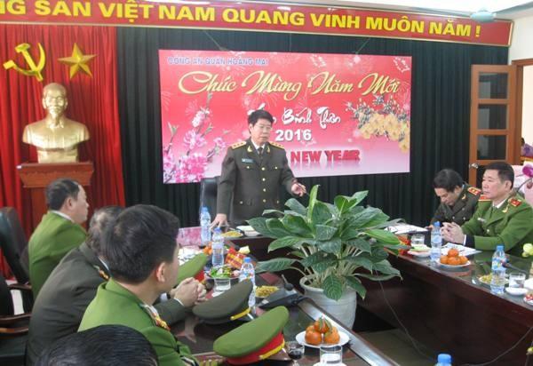 Thượng tướng Bùi Văn Nam đánh giá cao những cố gắng, kết quả công tác năm 2015 của CAQ Hoàng Mai