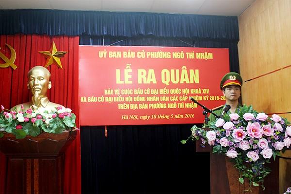 Thiếu tá Nguyễn Hữu Khánh phát biểu tại lễ ra quân