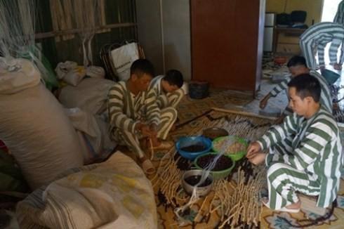 Học nghề, lao động tại trại tạm giam số 2