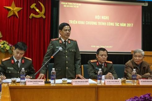 Thiếu tướng Đoàn Duy Khương chỉ đạo, gợi mở những vấn đề quan trọng với Báo ANTĐ trong năm công tác 2017