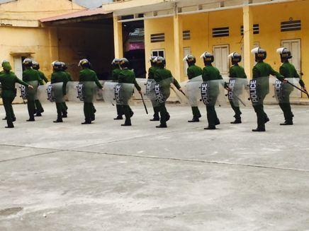 Tiểu đoàn Cảnh sát cơ động đặc nhiệm rèn điều lệnh, võ thuật ảnh 3