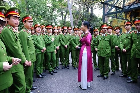 Hoạt động ý nghĩa của tuổi trẻ Phòng KTHS tại Lăng Chủ tịch Hồ Chí Minh