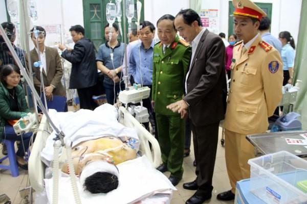 Lãnh đạo Công an tỉnh Thái Nguyên và cơ quan chức năng thăm hỏi