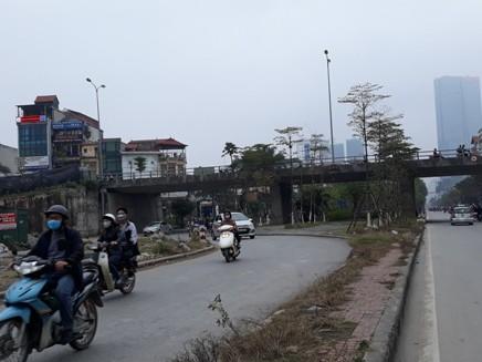 Khu vực gầm cầu vượt Văn Cao đã không còn hoạt động trông giữ xe vi phạm