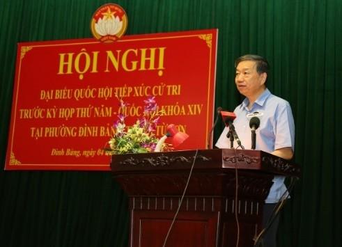 Bộ trưởng Tô Lâm phát biểu tại buổi tiếp xúc cử tri