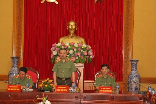 Bộ trưởng Tô Lâm chủ trì hội nghị, sáng 8-6