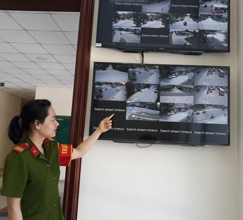 Màn hình hệ thống camera an ninh tại trực ban hình sự CAH Thường Tín