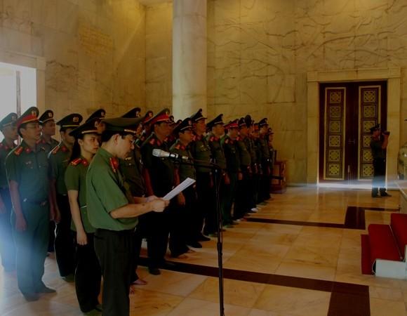 Cụm thi đua số 6 báo cáo những kết quả, thành tích trước Anh linh Hồ Chủ tịch