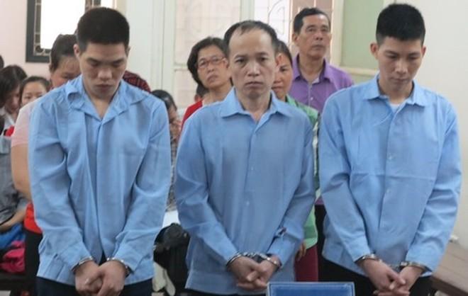 Một nhóm bị cáo giả danh Công an lừa đảo, cưỡng đoạt tài sản bị TAND TP. Hà Nội xét xử