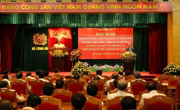 Thủ tướng Nguyễn Xuân Phúc phát biểu tại hội nghị, chiều 7-8