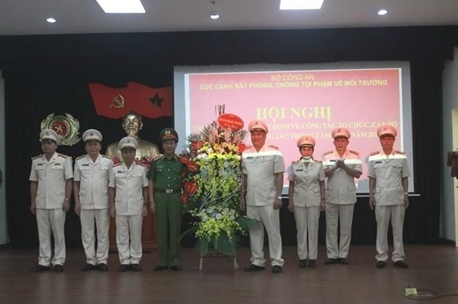 Thứ trưởng Lê Quý Vương chúc mừng tập thể Cục Cảnh sát PCTP về môi trường