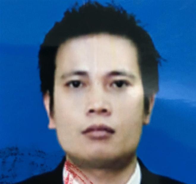 Bị can Trần Khắc Hùng đang bị truy nã về tội danh Giả mạo trong công tác