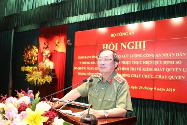 Thượng tướng Nguyễn Văn Thành - Thứ trưởng Bộ Công an điều hành nội dung tham luận của các đơn vị