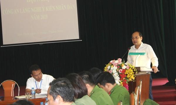 Đồng chí Lê Xuân Tứ, Bí thư Đảng ủy phường Mai Dịch giao nhiệm vụ cho CAP và lực lượng CSKV thực hiện hiệu quả các yêu cầu nhiệm vụ trong thời gian tới