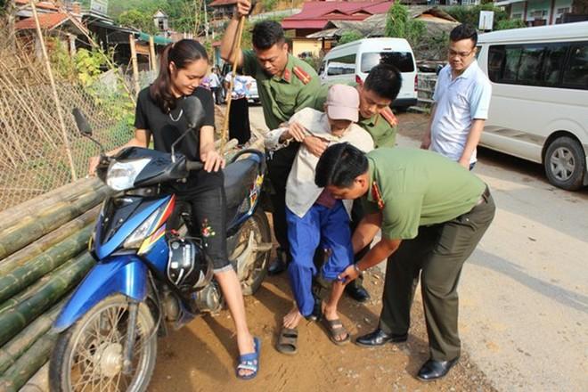 Cụm thi đua số 4 Công an thành phố Hà Nội tổ chức khám chữa bệnh miễn phí cho người dân ở tỉnh Hòa Bình