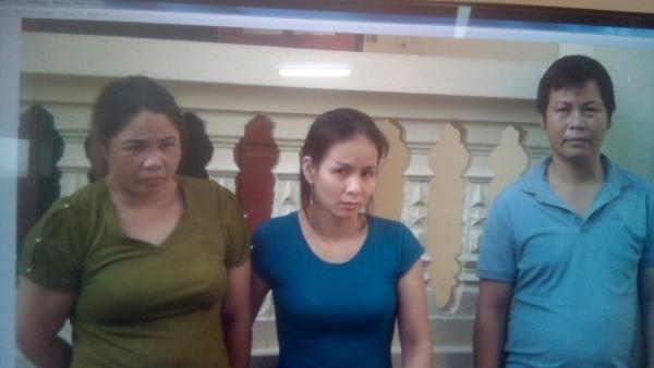 Lê Thị Phượng (ngoài cùng bên trái) và các đồng phạm trong vụ án