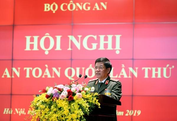 Trung tướng Đoàn Duy Khương - Bí thư Đảng ủy, Giám đốc Công an TP. Hà Nội tham luận tại Hội nghị Công an toàn quốc lần thứ 75